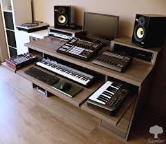 studio desk pewuprodukcje by teamber synth spaces pinterest