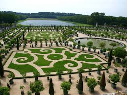 5 world famous flower gardens and the best time to visit them