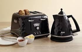 Toaster And Kettle Set Delonghi Delonghi Nespresso Lattissima Nice To Have Or Get Pinterest