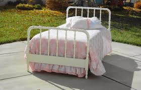 Jenny Lind Crib Mattress Size by Idyllic Metallic G Crib A Small Snippet Toger Also You Just Got A