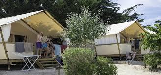 cabine de plage bois camping les amis de la plage à le bois plage en re campéole