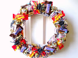 candy wreath diy candy wreath living la vida holoka