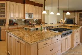 Kitchen Island With Granite Countertop Granite To Go With Light Wood Cabinets Cabinets Traditional