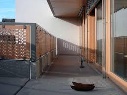 holzgelã nder balkon wohnzimmerz holz balkonboden with terrassengestaltung sichtschutz