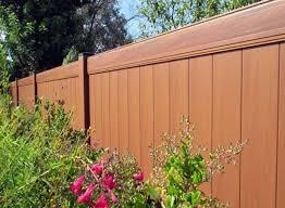 cloture jardin bois clôture jardin en bois pvc ou bois composite laquelle choisir