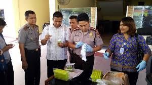 Serum Ular polisi tahan dua penjual serum anti bisa ular kedaluwarsa di