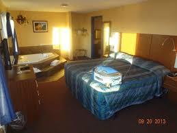 North Dakota travel mattress images Bed in 1 bdrm suite w jacuzzi picture of dakota magic casino jpg
