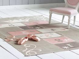 tapis chambre enfants impressionnant tapis chambre bebe fille avec tapis chambre