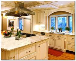 what color countertops with oak cabinets oak cabinets with granite countertops home and cabinet reviews