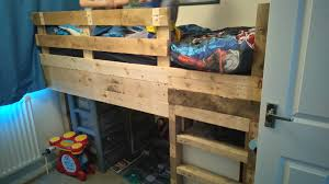 Bunk Bed With Play Area by Tiny Room Pallet Bunk Bed Play Area U2022 1001 Pallets