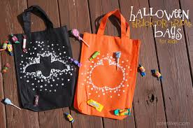 halloween candy bag diy halloween trick or treat bags for kids so festive