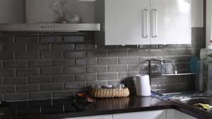 credence cuisine grise charmant cuisine blanche mur 7 carrelage de cuisine