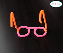 pipe cleaner glasses meet the dubiens crafts kid activities