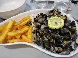 plat de cuisine plat principal moules marinières et frites picture of grain d sel