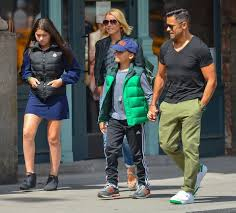 kelly ripa children pictures 2014 kelly ripa mark consuelos and kids out to lunch in nyc april 12