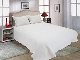 White Bedding Decor Ideas Bedroom White Bedspread With White Blanket Mattress Design And