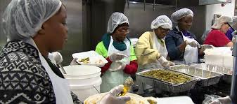 mozel sanders thanksgiving day meal line is open local news 13