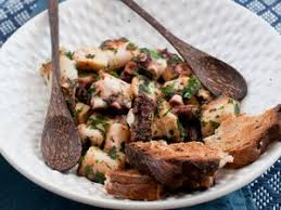 poulpe cuisine spaghettis au poulpe facile recette sur cuisine actuelle