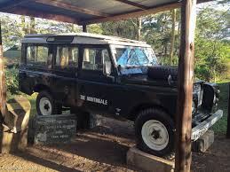 land rover kenya born free lives on in kenya travel blog the planet d