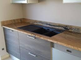 pose d un plan de travail cuisine pose d un plan de travail stratifi dans une cuisine neuve leroy