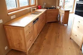 meubles cuisine bois massif cuisine bois brut table en bois brut crations boistable facade