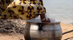 chauffage cuisine femme faire la cuisine hd stock 226 138 562