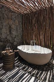 modern makeover and decorations ideas best 25 outdoor bathrooms