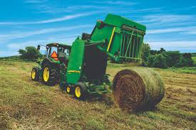 john deere introduces the rugged reliable 459e round balers