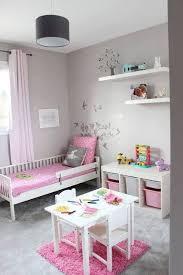 chambres de filles chambre fillette et grise toddler room