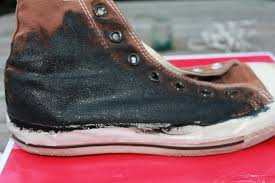 How To Decorate Shoes Diy Glitter Converse How To Decorate A Pair Of Glitter Shoes