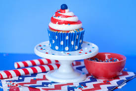 patriotic swirl cupcakes two toned icing