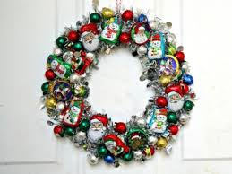 make a ornament wreath