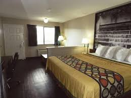 Universal Design Bedroom Hotel Super 8 Universal City Tx Booking Com
