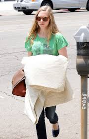 Furniture Stores Los Angeles Amanda Seyfried At A Furniture Store In La Just Fab Celebs
