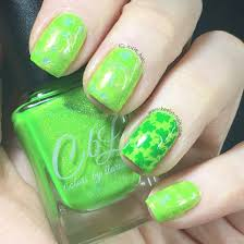 easy stamping holographic st patrick u0027s day nail art keely u0027s nails