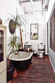 Standing Water In Bathtub Alluring Bathroom Vintage Styling In Apartment Decor Establish