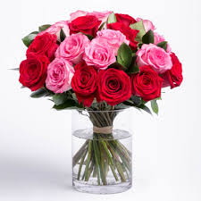 How Much Is A Dozen Roses Rose Bouquet Delivery Send A Bouquet Of Roses By The Dozen