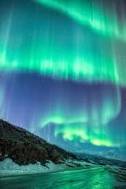 aurora at jokulsarlon northern lights black sand beach iceland