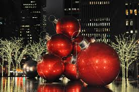 christmas in new york aliens in the apple