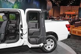nissan titan detroit auto show 2017 nissan titan and titan xd get king cabs automobile magazine