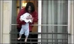 Veja vídeo de brincadeira arriscada de Michael Jackson   BBC ...