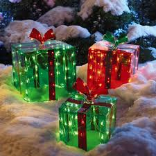 Lighted Christmas Window Decorations by Lighted Outdoor Gift Boxes Set Of 3 Christmas Tree Shops Andthat