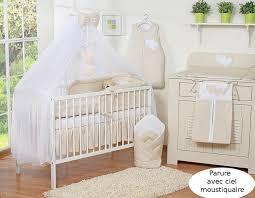 chambre enfant beige ciel de lit bébé en moustiquaire grand format beige à pois à coeurs
