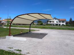 tettoia autoportante pensilina ombreggiante verniciata a becco d aquila 1 biotec
