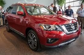 nissan pathfinder reviews 2014 2017 nissan pathfinder review first impressions news cars com