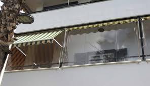 balkon wetterschutz balkonmarkisen als wetter und sichtschutz 45 ideen