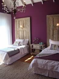 deco chambre prune 80 idées d intérieur pour associer la couleur prune