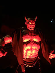 saw pig mask spirit halloween halloween horror nights hollywood a review of the haunted