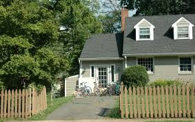 middle class american suburbia watching in washington what fencing says about you