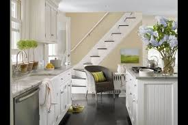 can you paint gloss kitchen cabinets glossy cabinets shine in today s kitchens chicago tribune
